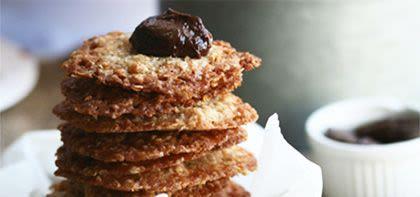 עוגיות תחרה במילוי קרם שוקולד