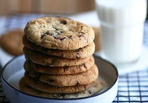 עוגיות שוקולד צ'יפס גדולות פריכות במיוחד!