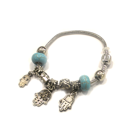 Посеребрённый браслет с хамсами и голубыми бусинами
