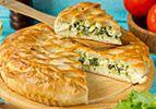 עוגת בורקס פילו במילוי כרישה וגבינה