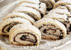 עוגיות מגולגלות עם תמרים ואגוזים, 25-30