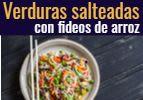 Verduras salteadas con fideos de arroz